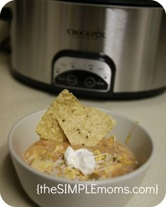 crock pot white chicken chili :: recipe crockin in the usa contest | theSIMPLEmoms