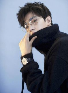 Human Poses Reference, Pose Reference Photo, Asian Actors, Korean Actors, Li Hong Yi, Yang Yang Actor, Art Poses, Body Poses, People Photography