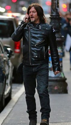 Norman Reedus is seen in Soho on January 20 2018 in New York City Norman Reedus, Most Beautiful Man, Gorgeous Men, Amc Walking Dead, Tom Burke, Hot Actors, Paramore, Daryl Dixon, Dream Guy