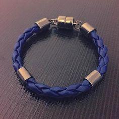 Pulseira Azul.   R$60