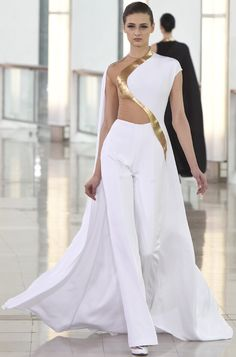 STÉPHANE ROLLAND Couture Spring 2015 WWD