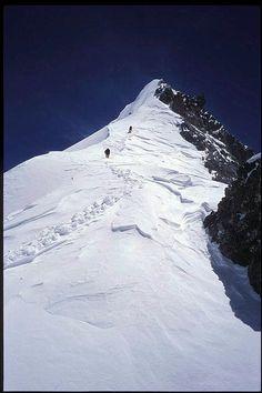 The false summit of Broad Peak .....................................