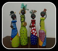 Bonecas Africanas Garrafas Gourds, Decorative Plates, Arts And Crafts, Sketches, Clock, Crafty, Biscuit, Gifts, Home Decor