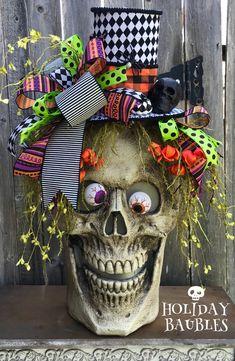 2018 August Wreath Creations from the Trendy Tree Custom Designer List Halloween Wall Decor, Halloween Skull, Diy Halloween Decorations, Halloween House, Holidays Halloween, Halloween Crafts, Halloween Wreaths, Halloween Centerpieces, Fall Wreaths