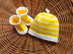 Voilà l'ensemble terminé. En Phil coton 3 de phildar. Knitted Hats, Creations, Beanie, Knitting, Fashion, Beautiful Things, Knits, Cotton, Knit Hats