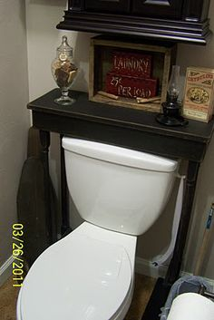 The Pickled Pepper Patch: 1/2 Bath Pictures Table over the toilet...why didn't I think of this? Looks so much better then those 'space saver' things that go over the toilet. Much rather have this!
