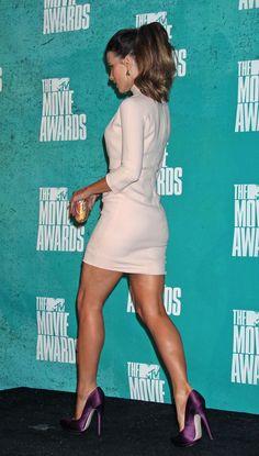 2012-06-03-MTV-Movie-Awards-Arrivals-015.jpg (1136×2000)