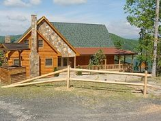 A Home Sweet Home-Spacious Cabin w/Game Room! Hot Tub! Amazing Views! FirePit!
