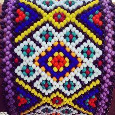 Huichol art. #hikuri #kauyumari #peyote #huicholes #huicholart #sacredgeometry… Peyote Stitch Patterns, Beading Patterns, Huichol Art, Seed Bead Projects, Native American Crafts, Peyote Beading, Seed Bead Bracelets, Bead Art, Bead Weaving