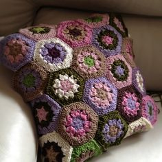 Ravelry: AnnabelsArmoire's New couch needs a new cushion!!