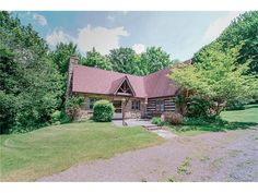 Photos, maps, description for 169 William Penn Trail, Chalk Hill, PA. Search homes for sale, get school district and neighborhood info for Chalk Hill, PA on Trulia—Delightfully Smart Real Estate Search.