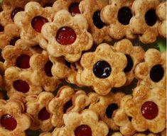 Krancerlíky - recept | Varecha.sk Cookies, Desserts, Food, Basket, Crack Crackers, Tailgate Desserts, Biscuits, Meal, Cookie Recipes
