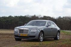 De essentie van Rolls-Royce in zijn eenvoudigste, meest pure vorm. Geavanceerde techniek gecombineerd met een scala aan onderhuidse technologie zorgt voor een dynamische en comfortabele rit.