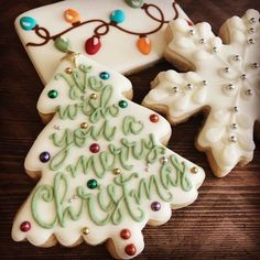 Outstanding Christmas cooking information are available on our web pages. Check it out and you wont be sorry you did. Christmas Sugar Cookies, Christmas Sweets, Christmas Cooking, Noel Christmas, Holiday Cookies, Holiday Baking, Christmas Desserts, Holiday Treats, Summer Cookies