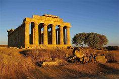 Routard.com : toutes les informations pour préparer votre voyage Sicile. Carte Sicile, formalité, météo, activités, itinéraire, photos Sicile, hôtel Sicile, séjour, actualité, tourisme, vidéos Sicile