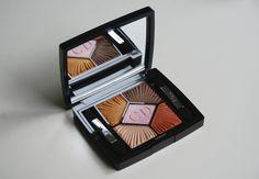 Aujourd'hui on va parler de la jolie palette 5 couleurs n°654 Aurora issue de la collection Croisette (été 2012) de Dior. En général j'aime beaucoup les tons brun/beige mais j'ai…