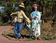 Cambria Scarecrow Festival 2014 brought to you by The Busy Woman ~ https://thebusywoman.com/blog