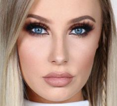Makeup tutorials for those with blue eyes! Check it out! https://makeuptutorials.com/makeup-tutorial-makeup-for-blue-eyes/ #makeup #tutorial #blue #eyes #beauty