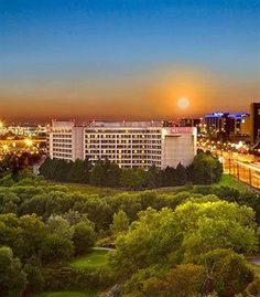 Close to all major highways and Pearson Airport....Toronto Airport Marriott http://petscanstay.com/pet-friendly/hotel/toronto-airport-marriott-hotel