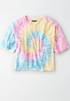 Shop Women's American Eagle Outfitters size M Crop Tops at a discounted price at Poshmark. Description: American Eagle tye die boxy t-shirt Good condition. Cute Tie Dye Shirts, Tye Die Shirts, Tie Dye Tops, Tie Dye Crop Top, Camisa Tie Dye, Moda Tie Dye, Ty Dye, Tie Day, American Eagle Outfitters