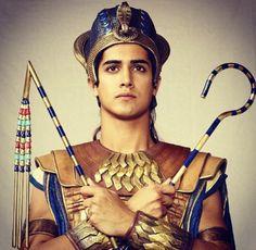 Series I want to indulge in: Tut Egyptian Pharaohs, Egyptian Mythology, Tut Movie, Avan Jogia Tut, Abbasid Caliphate, Prince Of Egypt, Dry Sand, Tutankhamun, Collage Design