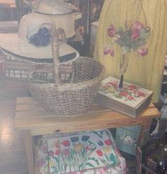 #retro#återvinning #vintage #design #boho #kläder #antik#old#muebles #furniture #möbler #smycken #kläder#hatt#ropas #clo #män#herr#dam#spanish #sweden #stockholm #älvsjö by mydearestsecondhand