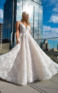 Bridal Gowns, Wedding Gowns, White Gowns, Bridal Photography, French Lace, Designer Wedding Dresses, Bridal Collection, Glamour, Bride