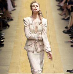 High-end catwalk 2017 early fall Paris heavy industry hand series bead coat half skirt autumn suit dress