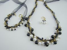 Black and white pearl set necklace bracelet by 7PMboutique on Etsy