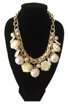 Damen Halskette, Statement-Collier in New Romantics Style mit Perlen z.T. in Blütendekor und Perlenanhänger sowie eingeflochtenem Satin-Band, Karabinerverschluß, größenverstellbar 43 - 49 cm Länge Vexcon, http://www.amazon.de/dp/B00IWBY4TC/ref=cm_sw_r_pi_dp_MSRstb09XQJ1A