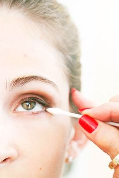 make up tips to make your eyes appear bigger!