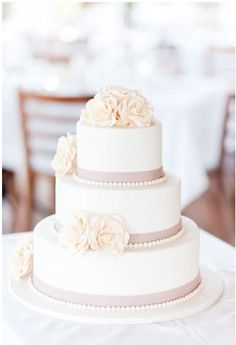 such a simple but gorgeous cake