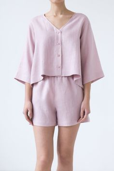 - Women nightwear shorts - Relaxed fit with elastic waist band - Midweight Linen - Available in XS-XL - Cut and sewn to order in our studio - Color - dusty rose (available in any other color of listed linen) Linen Blouse, Linen Shorts, Night Outfits, Fashion Outfits, Outfit Night, Pijamas Women, Bridesmaid Pyjamas, Night Suit, Sleepwear Sets
