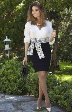 Fashion and Style Blog / Blog de Moda . Post:  Oh My Looks Jacket  ( Online Shop / Tienda online : www.ohmylooksshop.com )  .More pictures on/ Más fotos en : http://www.ohmylooks.com . Llevo / I was wearing : Necklace /Collar : Alicia Ruedas;Falda / Skirt : Mango (old) ; Blusa / Blouse : Zara ; Belt / Fajín : Oh My Looks Shop