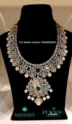 Diamond Necklace Set, Emerald Necklace, Diamond Jewelry, Gold Jewelry, Indian Gold Jewellery Design, Indian Jewelry, Gold Earrings Designs, Necklace Designs, Bridal Jewelry