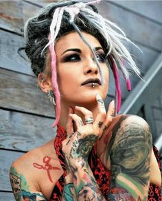 Vocalist of Infected Rain 😍🤘 Best Picture For punk hair and makeup For Your Taste You are looking fo White Girl Dreads, Dreads Girl, Ladies Of Metal, Metal Girl, Sexy Tattoos, Girl Tattoos, Tattoed Women, Inked Girls, Tattooed Girls