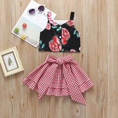 Fashion Toddler Little Girl Flower Crop Top Matching White and Red Plaid Big Bow Skirt Baby Girl Dress Patterns, Baby Dress Design, Dresses Kids Girl, Little Girl Outfits, Little Girl Fashion, Toddler Fashion, Fashion Kids, Kids Outfits, Skirt Patterns