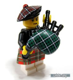 The very detailed LEGO bagpipe design