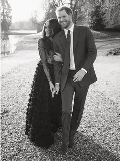 Mad About Meghan: Prince Harry and Meghan Markle Release Official Photos to Mark Their Engagement