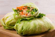ŽENA-IN - Mlsání, které uspokojí chutě, a nepřiberete po něm Carb Alternatives, Back On Track, Lettuce Wraps, Fresco, Cabbage, Low Carb, Lunch, Vegetables, Cooking