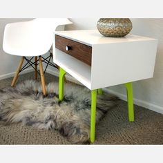 Finding the right side table can be a challenge, as it must complement the rest of your furniture without upstaging it. Neon Furniture, Painted Furniture, Monochrome Interior, Neon Painting, Interior Decorating, Interior Design, Mid Century Modern Design, Neon Yellow, New Room