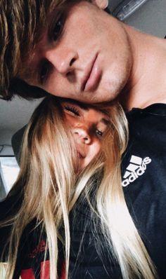 ✔ Cute Photos With Boyfriend Teens Cute Couples Photos, Cute Couple Pictures, Cute Couples Goals, Cute Photos, Couple Pics, Couple Things, Cute Boyfriend Pictures, 21 Things, Romantic Couples