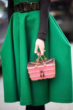 Green Skirt Pink Handbag Street Style Photographers Will Come A Flocking
