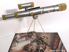 Telescoop knutselen van keukenrol en wc-rolletjes | knutselen | armstrong | de vier windstreken | telescoop | telescoop knutselen | sterrenkijker knutselen | thema ruimte | sterrenkijker Telescope, Winter