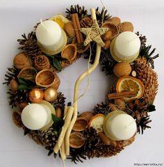 Decoraciones de navidad con materiales naturales