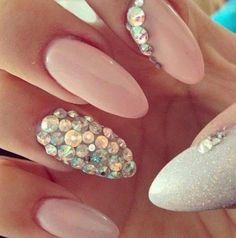 If you want a unique and stylish design, then consider polishing your nails with dots and stripes nail art design. Here are the best ideas for a joyful spring designs on your nails. Get Nails, Prom Nails, Bling Nails, Wedding Nails, Hair And Nails, Bling Bling, Rhinestone Nails, Jewel Nails, Sparkly Nails