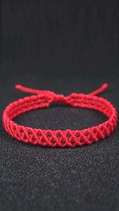 Diy Bracelets Patterns, Diy Friendship Bracelets Patterns, Diy Bracelets Easy, Braided Bracelets, Ankle Bracelets, Macrame Bracelet Diy, Macrame Bracelet Patterns, Bracelet Crafts, Diy Crafts Jewelry