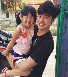 "7,971 To se mi líbí, 30 komentářů – TAYTAWAN - 林阳 (@tawan_v) na Instagramu: ""ไม่เจอกันตั้งนานนม.  โตขึ้นเป็นกอง  Cr. @yingrangsikarn"" Korean Boys Ulzzang, Cute White Boys, Boy Images, Korean People, Hailee Steinfeld, Thai Drama, Boyfriend Material, Thailand, I Am Awesome"