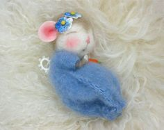 Hello! I have included the Story of Rodanta below the description if you would like to know where all of my critters live.  Meet Peanut Bunner & Jilly Sannich the bunny and mouse class mascots in the 2nd and 3rd photos. They are the mouse and bunny you would create in this class. I am posting other photos of dressed mice on this listing just to show you what is possible after you learn how to make your own Peanut Bunner and Jilly Sannich!  This is a class I am selling. I am not selling the…