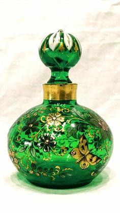 Blue Glass Bottles, Crystal Perfume Bottles, Vintage Perfume Bottles, Glass Artwork, Beautiful Perfume, Vases, Venetian Glass, Glass Animals, Bottle Art
